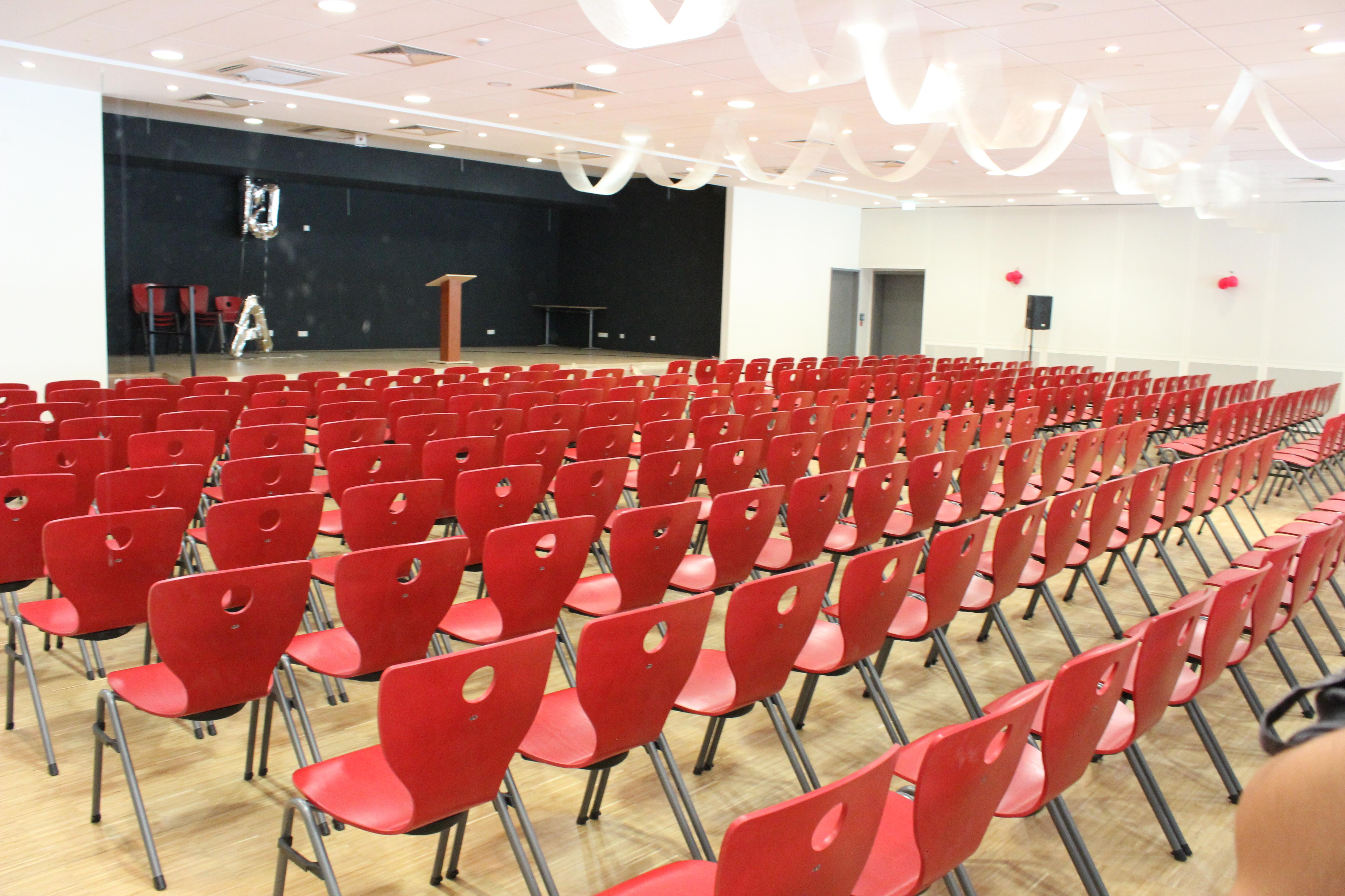 Theaterhalle-Aula